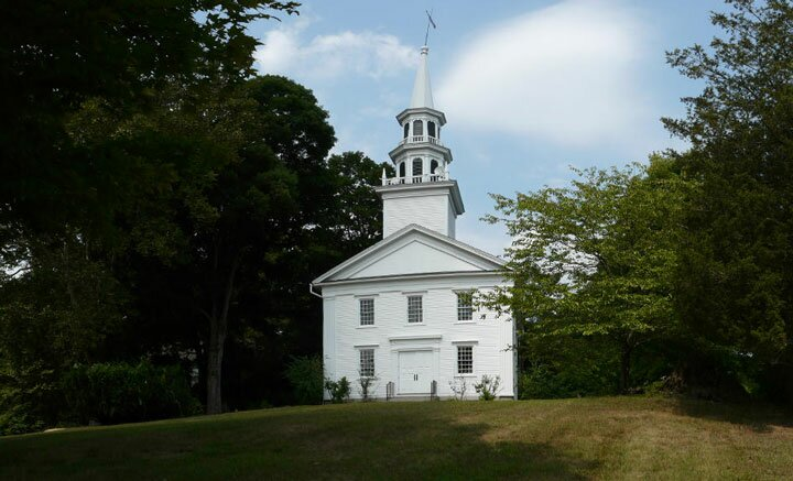 The Congregational Church of Easton is holding its first outdoor worship service.